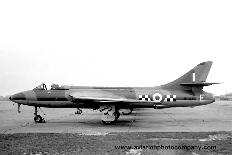 The Aviation Photo Company: Hunter (Hawker) &emdash; RAF 43 Squadron Hawker Hunter F.1 WT580/E (1955)