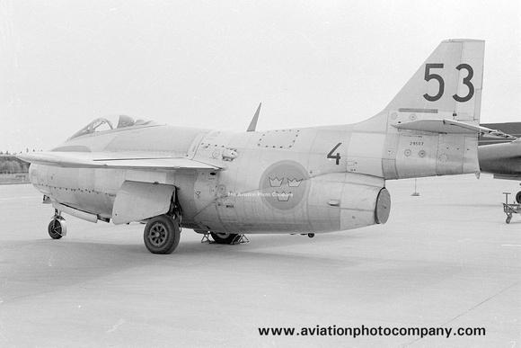 The Aviation Photo Company: Sweden &emdash; Swedish Air Force F4 SAAB Tunnan J-29F 29507/53 (1976)