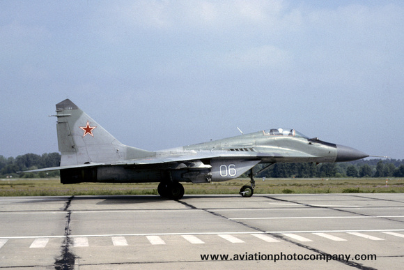 Soviet Air Force 787 JR Mikoyan MiG-29M Fulcrum 06 (1991)