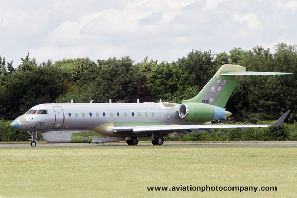 UAE Air Force Bombardier Global 6000 1326 at Cambridge (2017)