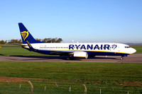 Ryanair Boeing 737-800 EI-FIV at East Midlands (2017)