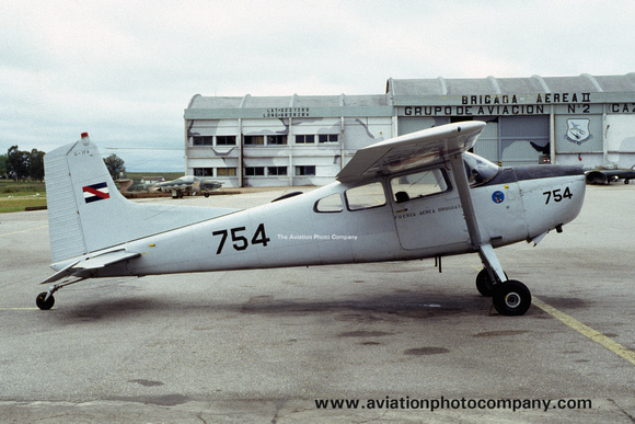 Uruguayan Air Force Cessna U-17A Skywagon 754 (1993)
