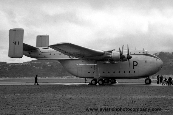 The Aviation Photo Company: Beverley (Blackburn) &emdash; RAF 84 Squadron Blackburn Beverley C.1 XM104/P at Rongotai (1959)