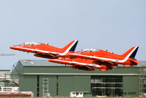 The Aviation Photo Company: Latest Additions &emdash; RAF Red Arrows Hawker Siddeley Hawk T.1s (1986)
