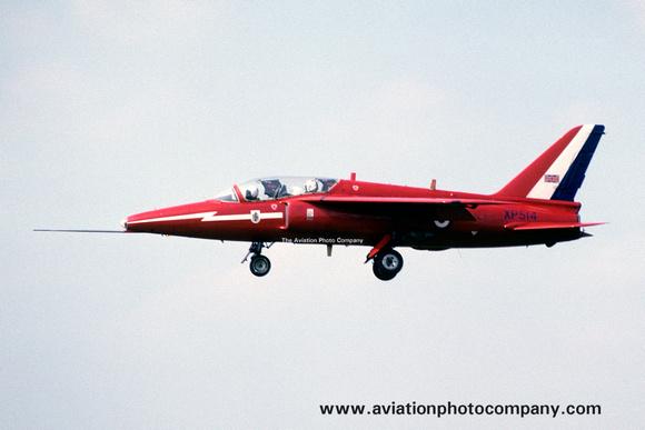 The Aviation Photo Company: Latest Additions &emdash; RAF Red Arrows Folland Gnat T.1 XP514 (1975)