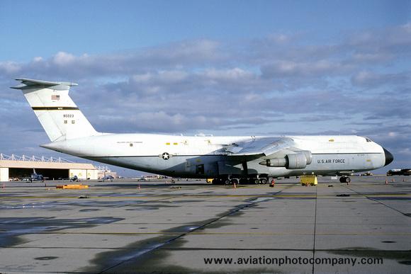 The Aviation Photo Company: C-5 Galaxy (Lockheed) &emdash; USAF 60 MAW Lockheed C-5A Galaxy 68-0223 (1983)