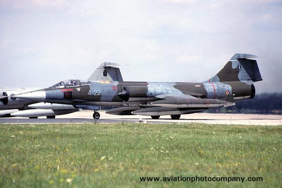 The Aviation Photo Company: Latest Additions &emdash; Italian Air Force 4 Stormo Lockheed F-104S Starfighter MM6931/4-22 (1997)