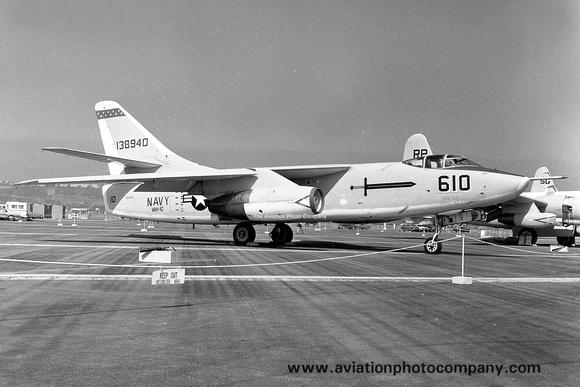 The Aviation Photo Company: A-3 Skywarrior (Douglas) &emdash; US Navy VAH-10 Douglas A-3B 138940/610 (1967)