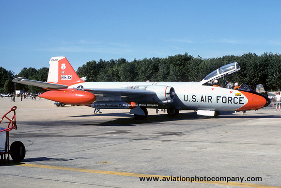 The Aviation Photo Company: Latest Additions &emdash; USAF Vermont ANG 134 DSES Martin EB-57B Canberra 52-1503 (1975)