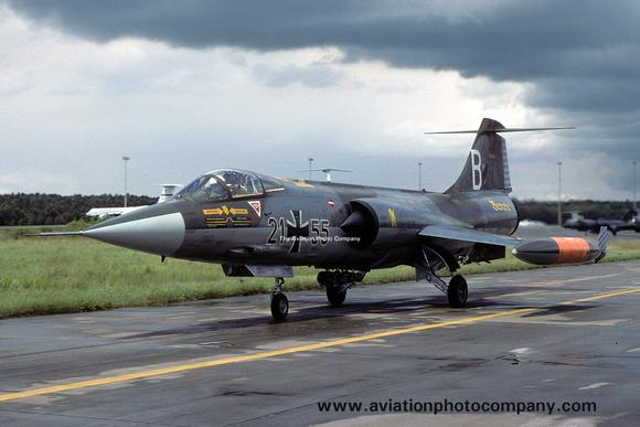 The Aviation Photo Company: Latest Additions &emdash; West German AF JBG32 Lockheed F-104G Starfighter 21+55/B (1980)