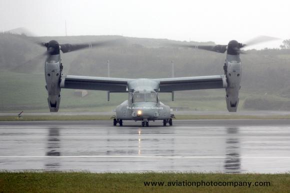 The Aviation Photo Company: Latest Additions &emdash; USMC VMM-365 Bell-Boeing MV-22B Osprey 168225 at Lajes (2013)