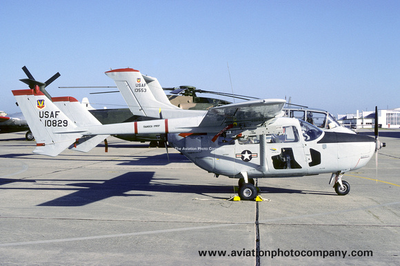 The Aviation Photo Company: O-2 Skymaster (Cessna) &emdash; USAF 547 SOTS Cessna O-2A 68-10829 (1975)