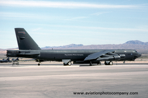The Aviation Photo Company: B-52 Stratofortress (Boeing) &emdash; USAF 410th Bomb Wing Boeing B-52H 61-0020 (1990)