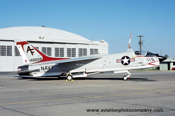 The Aviation Photo Company: F-8 Crusader (Chance/Vought) &emdash; USN VF-201 Chance Vought F-8D 148628/AF-115 (1975)