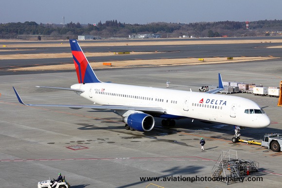 The Aviation Photo Company: Latest Additions &emdash; Delta Airlines Boeing 757-200 N536US at Tokyo Narita (2012)