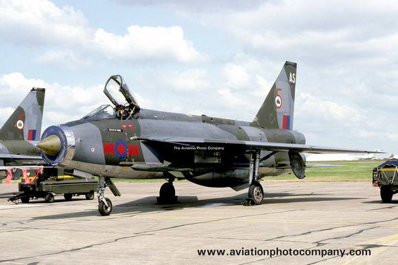 The Aviation Photo Company: 5 Squadron &emdash; RAF 5 Squadron English Electric Lightning F.3 XR716/AS (1981)