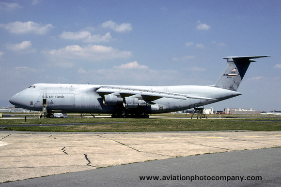 The Aviation Photo Company: C-5 Galaxy (Lockheed) &emdash; USAF AFRC 433 AW Lockheed C-5A Galaxy 69-0007 at Frankfurt Rhein Main (1998)