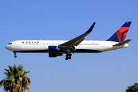Delta Airlines Boeing 767-300 N197DN at Los Angeles IAP (2014)