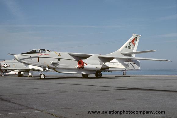 The Aviation Photo Company: A-3 Skywarrior (Douglas) &emdash; US Navy VAQ-33 Douglas EA-3B Skywarrior 144827/GD-1 (1977)