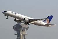 United Airlines Boeing 757-200 N589UA at Los Angeles IAP (2014)