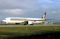Singapore Airlines Boeing 777-300ER 9V-SNC at Manchester (2016)