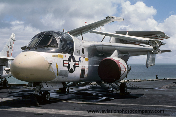 The Aviation Photo Company: S-3 Viking (Lockheed) &emdash; US Navy VS-24 Lockheed S-3A Viking 160147/AJ-711 on board USS Nimitz (1978)