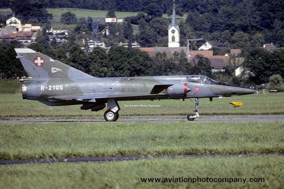 The Aviation Photo Company: Latest Additions &emdash; Swiss Air Force 10 Staffel Dassault Mirage 3RS R-2105 (1988)