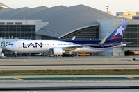 LAN Chile Boeing 767-300 CC-BDF at Los Angeles IAP (2014)