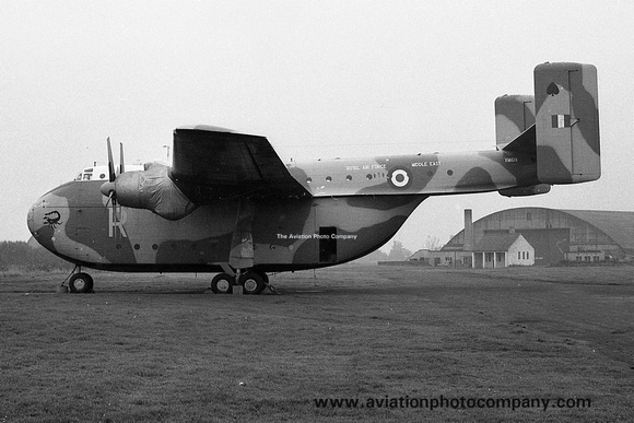 The Aviation Photo Company: Beverley (Blackburn) &emdash; RAF 27 MU Blackburn Beverley C.1 XM109 (1968)