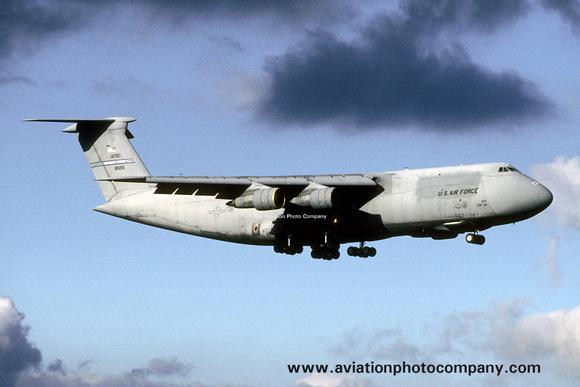 The Aviation Photo Company: C-5 Galaxy (Lockheed) &emdash; USAF AFRC 439 AW Lockheed C-5A Galaxy 68-0215 (2000)