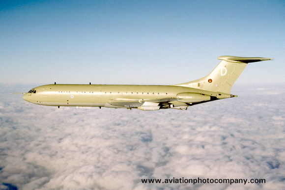 The Aviation Photo Company: Latest Additions &emdash; RAF 101 Squadron Vickers VC-10 K.2 ZA143 (1993)