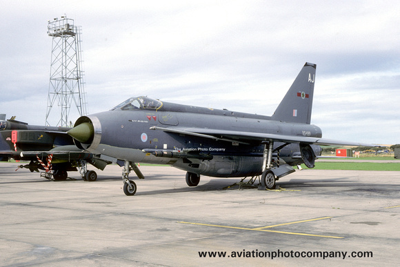 The Aviation Photo Company: 5 Squadron &emdash; RAF 5 Squadron English Electric Lightning F.6 XS899/AJ (1985)