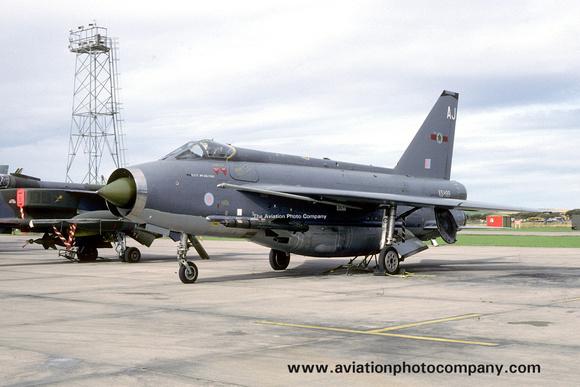 The Aviation Photo Company: 5 Squadron &emdash; RAF 5 Squadron English Electric Lightning F.6 XS899/AJ (1985)
