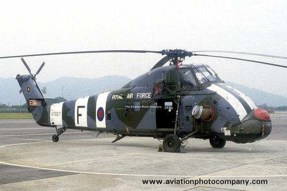 The Aviation Photo Company: Latest Additions &emdash; RAF 28 Squadron Westland Wessex HC.2 XT667/F (1985)
