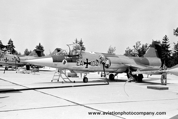 The Aviation Photo Company: Latest Additions &emdash; West German Air Force AKG51 Lockheed/Fokker RF-104G Starfighter EA+104