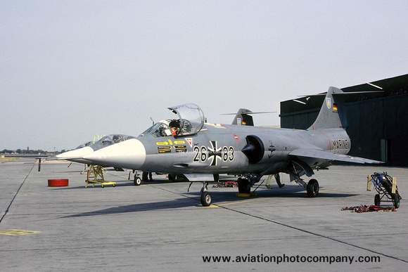 The Aviation Photo Company: Latest Additions &emdash; West German Navy MFG2 Lockheed F-104G Starfighter 26+83 (1983)