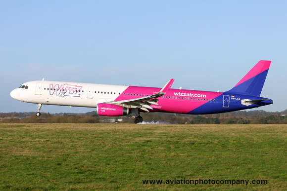 Wizz Air Airbus A320-200 HA-LXA at Luton (2015)