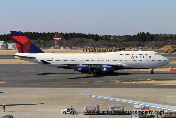 The Aviation Photo Company: Latest Additions &emdash; Delta Airlines Boeing 747-400 N669US at Tokyo Narita (2015)