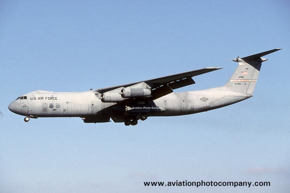 The Aviation Photo Company: C-141 Starlifter (Lockheed) &emdash; USAF AFRC 445 Lockheed C-141C Starlifter 66-7950 (2002)