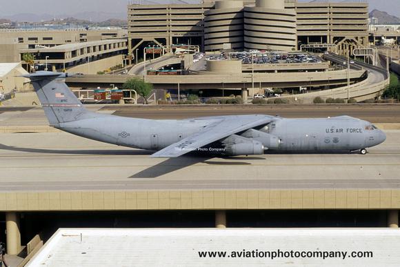 The Aviation Photo Company: C-141 Starlifter (Lockheed) &emdash; USAF AFRC 445 AW Lockheed C-141B Starlifter 65-0258 at Phoenix IAP (2002)