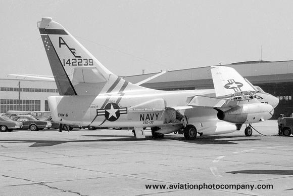 The Aviation Photo Company: A-3 Skywarrior (Douglas) &emdash; US Navy VAQ-130 Douglas EKA-3B Skywarrior 142239/AE (1969)