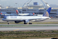 United Airlines Boeing 757-200 N574UA at Los Angeles IAP (2014)