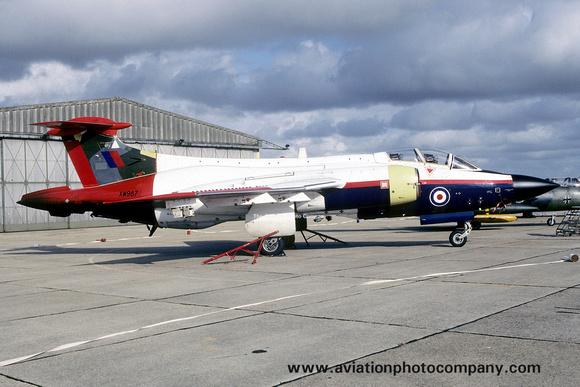 The Aviation Photo Company: Buccaneer (Blackburn) &emdash; A&AEE Blackburn Buccaneer S.2 XW987 at Boscombe Down (1988)