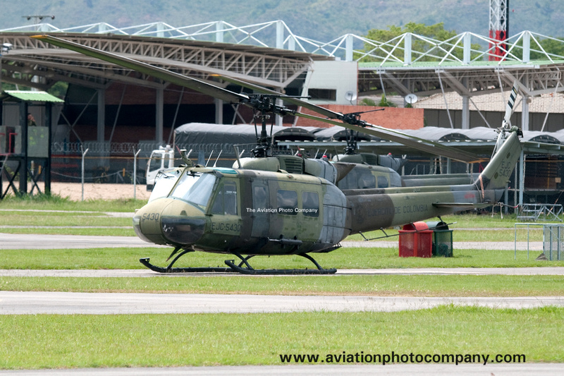 The Aviation Photo Company: Colombia &emdash; Colombian Army BAAV 5 Bell UH-1H EJC5430 at Tolemaida (2013)