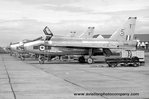 The Aviation Photo Company: 5 Squadron &emdash; RAF 5 Squadron English Electric Lightning T.5 XS451/T (1970)