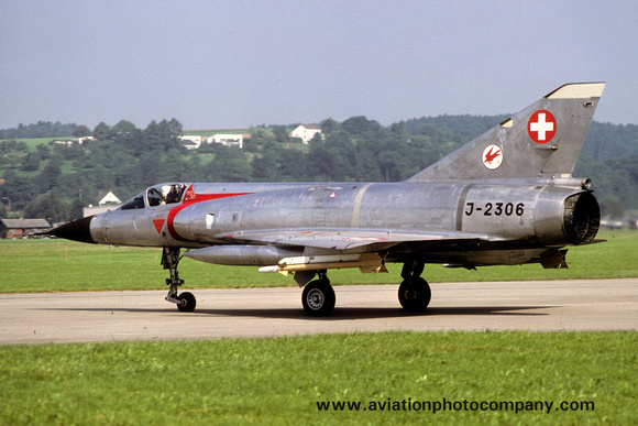 The Aviation Photo Company: Latest Additions &emdash; Swiss Air Force 17 St Dassault Mirage 3S J-2306 (1978)