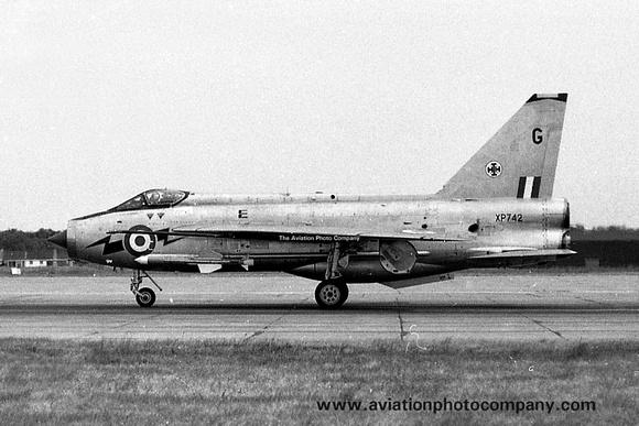 The Aviation Photo Company: English Electric Lightning &emdash; RAF 111 Squadron English Electric Lightning F.3 XP742/G (1968)