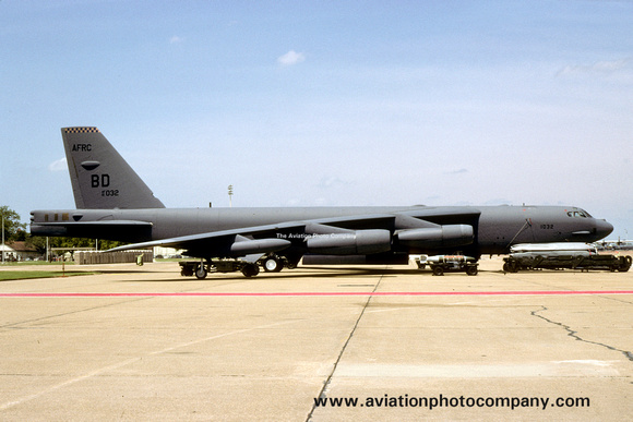 The Aviation Photo Company: B-52 Stratofortress (Boeing) &emdash; USAF AFRC 93 BS Boeing B-52H 61-0032/BD at Barksdale AFB Open House (1999)